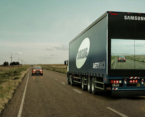 trailer-display-screen-safety-truck-samsung-11