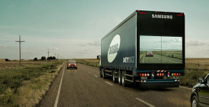 trailer-display-screen-safety-truck-samsung-1